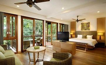 Hotel Breakfast 早餐 Adult Twin 成人雙人房 Adult Extra Bed 成人加床 Child Extra Bed 小童加床 Berjaya Langkawi Resort Rainforest Chalet $3,690 N/A N/A Seaview Chalet (Partial) $3,950 N/A N/A Rainforest Studio
