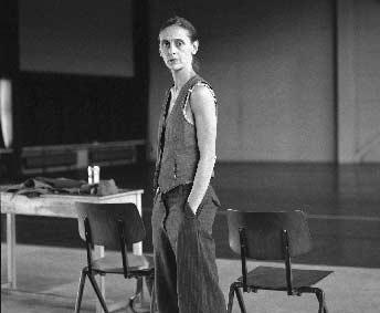 Anne Teresa De Keersmaeker and Rosas by Dominike Van Besien In the early 1980s, when the artistic climate allowed dance to gain ever greater prominence, a 20 year old Anne Teresa De Keersmaeker