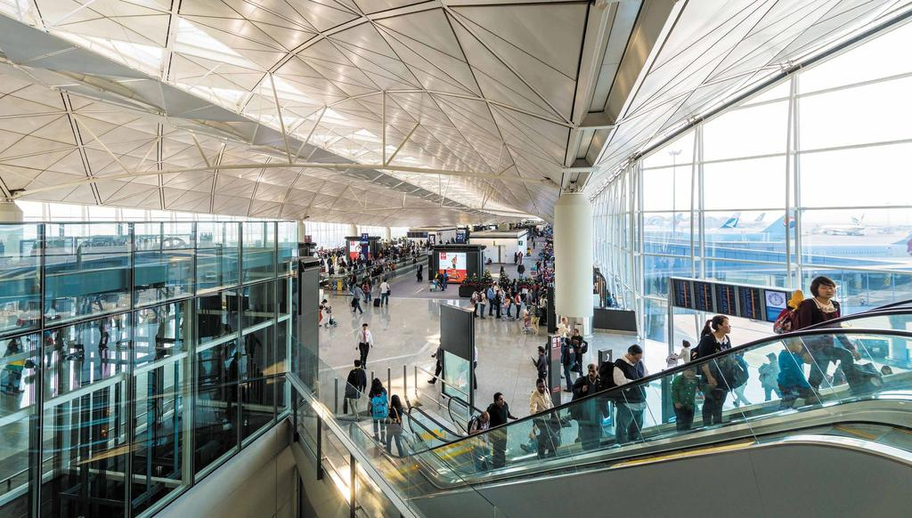 MESSAGE FROM the CEO 行政總裁的話 The solid momentum throughout the first half of 2015 carried forward for Hong Kong International Airport in August, as we scaled to new record heights in passenger traffic