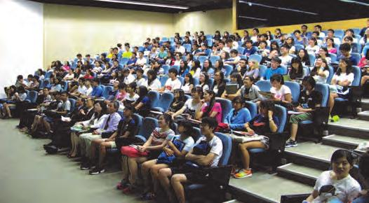 College, two sharing sessions were held for the new students on 9 August 2016.