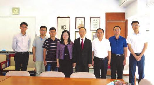 Professor Jimmy C M Yu, College Head and Professor Barley S Y Mak, Associate College Head and Dean of Students, received the delegation and introduced the College system, student activities,