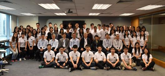 Orientation Day 2016 迎新日 2016 On 23 September 2016, RLB HK s Orientation Day 2016 was held at the Aberdeen Boat Club with over 50 fresh graduates from Hong Kong and Macau Office.